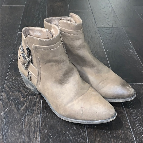 Madden Girl Hunttz Nude Faux Leather